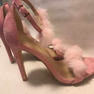 NWOT BOOHOO Feather Ankle Strap Open Toe Stiletto
